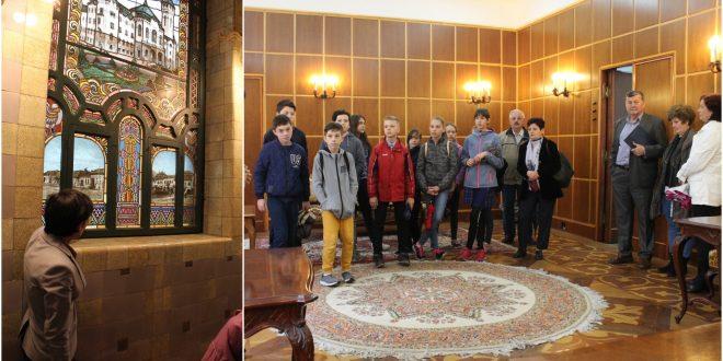 galerie-foto:-palatul-administrativ-si-a-deschis-pentru-a-treia-oara-portile-pentru-vizite-ghidate.-ce-povesti-interesante-ascunde-istoria-targumureseana?