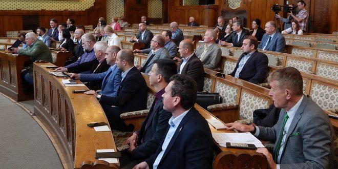 consiliul-judetean-mures:-bani-din-excedentul-cumulat-pentru-reabilitarea-a-doua-drumuri-judetene