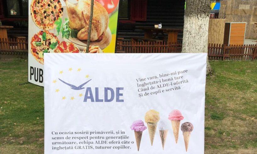 video-–-actiunea-alde-mures-de-a-da-inghetata-moca-copiilor-a-ajuns-la-parchet:-liberalii-au-depus-plangere-penala-pentru-mita-electorala