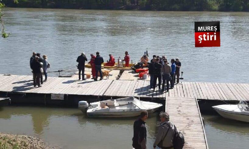 reusita au ajuns cu pluta in ungaria visul temerarilor a devenit realitate foto