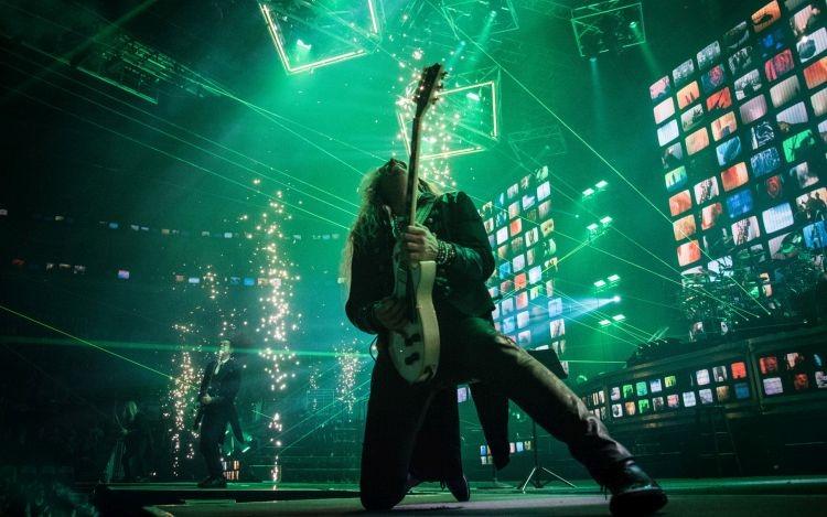 tentativa un grup de muzicieni mureseni incearca sa stabileasca un nou record national peste 423 de artisti care intrepreteaza live rock