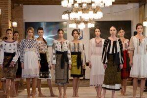foto romanian fashion philosophy o sarbatoare vizuala de centenar la targu mures