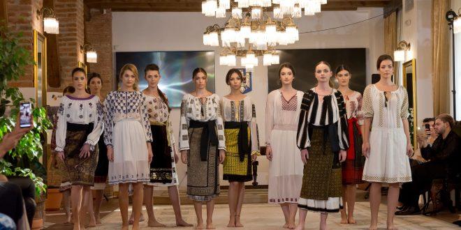 foto:-romanian-fashion-philosophy,-o-sarbatoare-vizuala-de-centenar-la-targu-mures