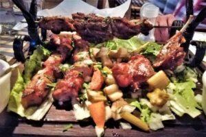 client sub acoperire klokkos cipru taverna de 5 stele cand ingerul gastronomiei planeaza desupra bucatarului