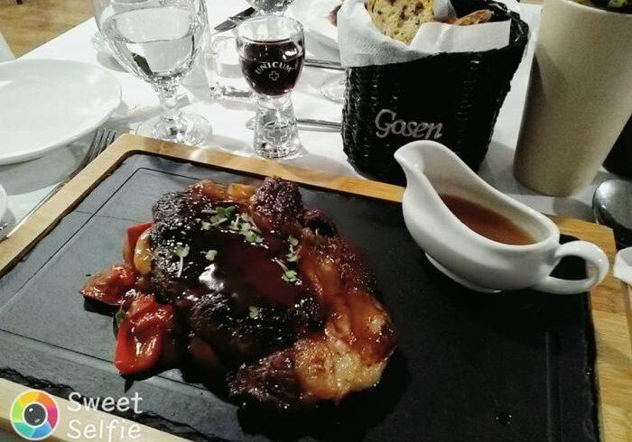 client sub acoperire gosen despre copiii din baia mare care au reinventat gastronomia