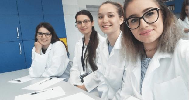 viitorii-farmacisti,-studenti-umfst,-rezultate-remarcabile-la-manifestarile-stiintifice-din-tara