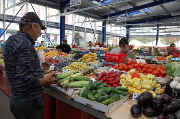 mai-multe-banconote-de-50-de-lei-false,-distribuite-in-piata-agroalimentara!