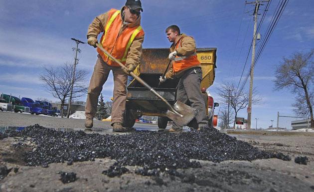 campania-electorala-aduce-(promisiuni-de)-reparatii-la-drumurile-din-mures