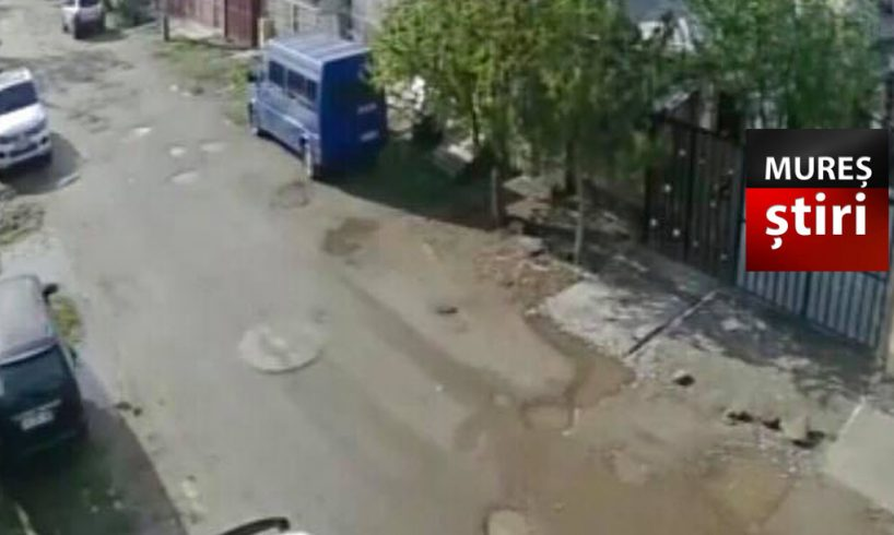 politia.-doi-adolescenti-au-spart-o-masina-parcata-sub-geamul-proprietarului!