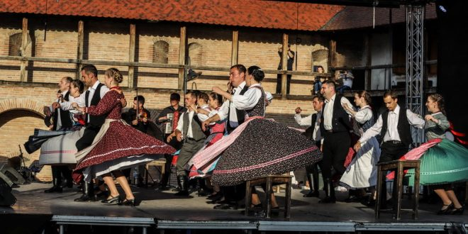 folkforum festivalul etniilor care convietuiesc in mures