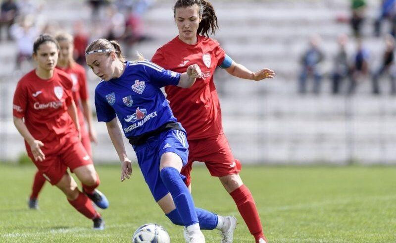 fotbal-feminin,-play-off