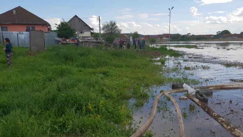 gradini si teren agricol inundate in comuna sanpaul