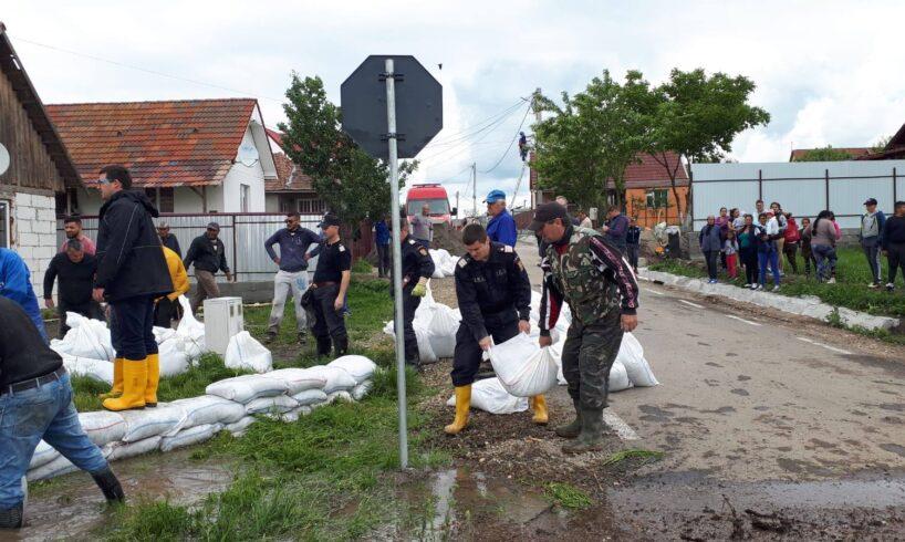 sute-de-hectare-de-teren-inundate-si-familii-evacuate-din-fata-apelor,-in-zona-sanpaul