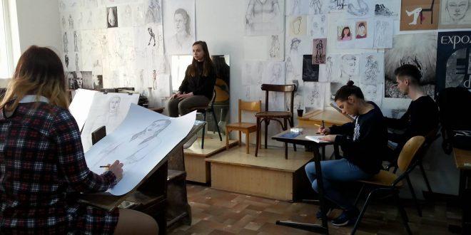 liceul-vocational-de-arta-targu-mures.-oferta-educationala-2019-2020,-prezentata-in-cadrul-targului-de-arte-si-meserii