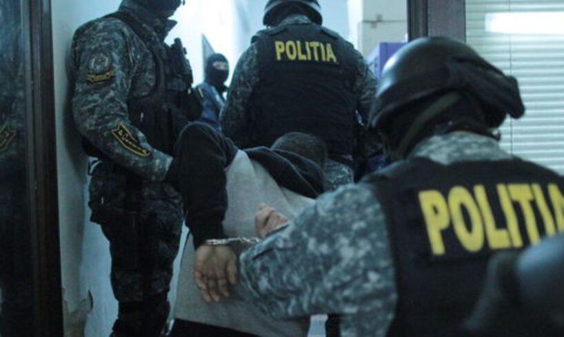 atentie trei dealeri de droguri mureseni arestati coletele cu droguri veneau prin posta