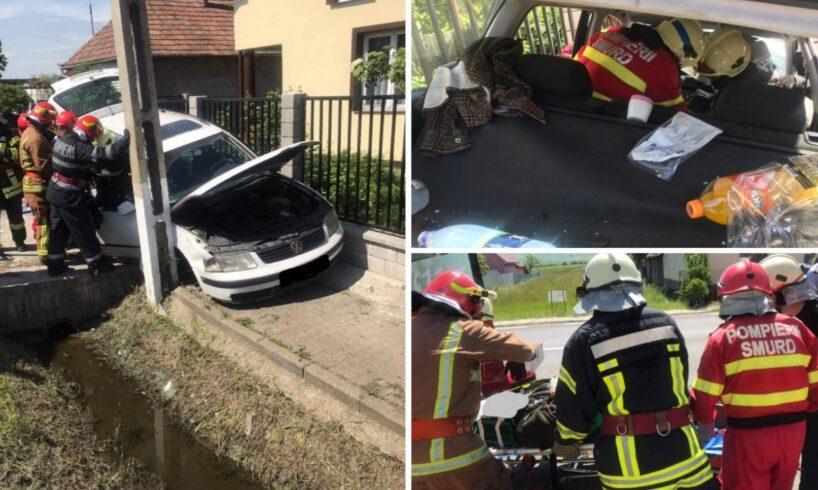 atentie soferi interventia pompierilor pentru extragerea persoanei incarcerate dupa accident foto