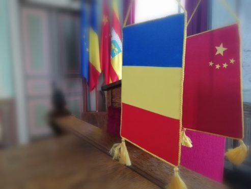 ceremonia-de-semnare-a-scrisorii-de-intentie-privind-stabilirea-relatiilor-de-infratire-intre-municipiul-sighisoara-si-districtului-wujiang,-orasul-suzhou,-provincia-jiangsu,-republica-populara-chineza