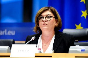 Adina Valean Unul dintre cei mai influenti europarlamentari de la Bruxelles A desfiintat roaming ul in Uniunea Europeana
