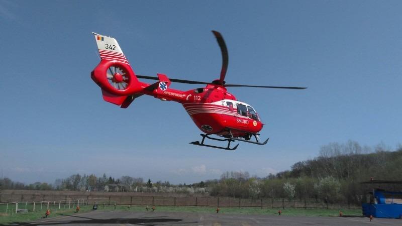 elicopter smurd solicitat pentru o turista care a cazut pe zapada in muntii fagarasului