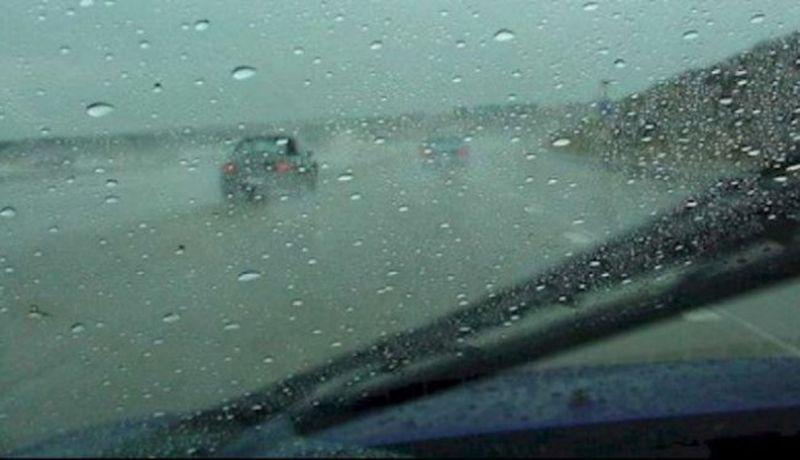 conduceti prudent pe timp de ploaie