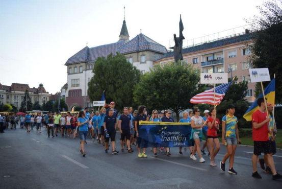 peste 40 de tari la parada natiunilor din deschiderea campionatelor europene de triatlon multisport de la targu mures