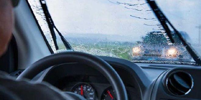 recomandari utile pentru soferii care circula pe ploaie