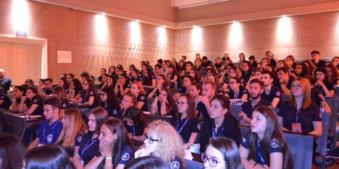 s-a-dat-startul-inscrierilor-la-universitatea-de-vara-pentru-elevi-sprijinita-de-umfst