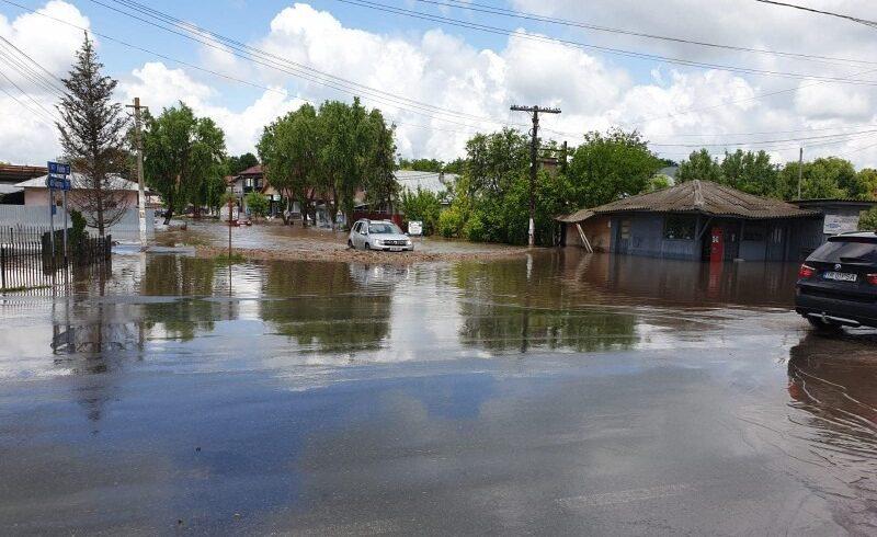 peste 20 de mii de lucratori ai ministerului de interne sunt pregatiti sa intervina in judetele care sunt vizate de avertizari meteorologice