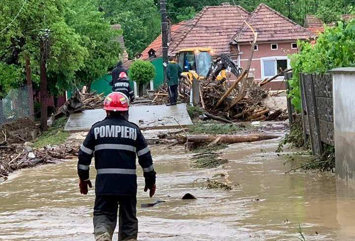 44 de localitati din 22 de judete au fost afectate in ultimele 24 de ore de vremea rea