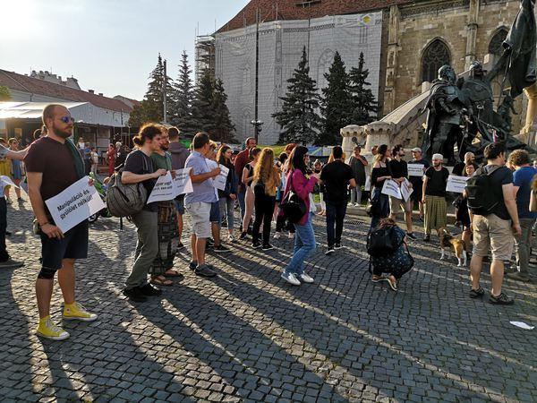 adunare de solidaritate interetnica romano maghiara