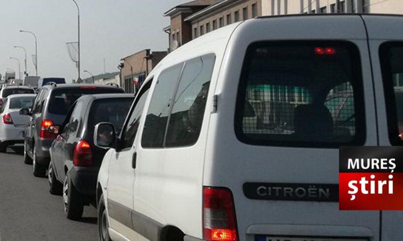 atentie soferi traficul rutier va fi limitat la 2 benzi pe podul mures