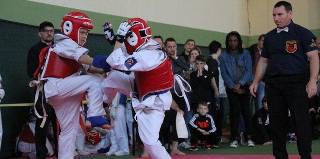 medalii pentru cei mai mici karateka