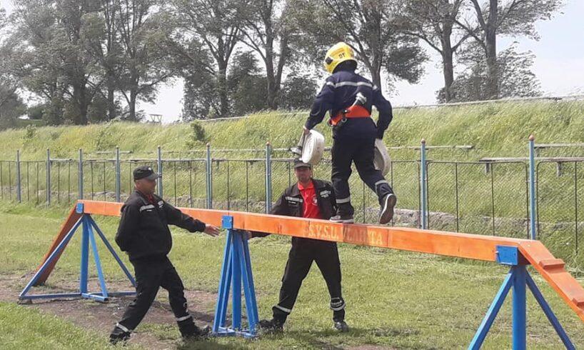 pompierii-voluntari-din-harghita-se-intrec-in-faza-judeteana-a-concursurilor-profesionale