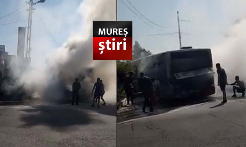 acum!-un-autobuz-de-transport-in-comun-a-luat-foc-in-trafic!-video