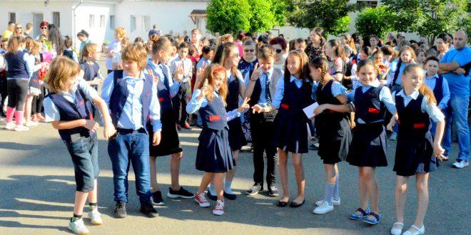 final de an scolar pentru clasa a iii a a gimnaziul augustin maior