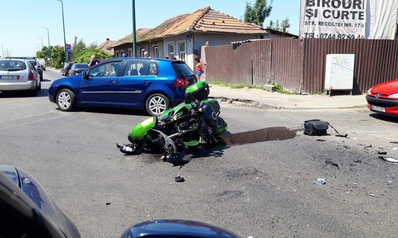 foto accidentul de pe gheorghe doja ambele persoane de pe motocicleta au ajuns la spital