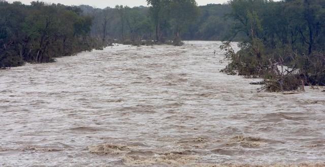 cod portocaliu de inundatii pe rauri din moldova si transilvania pana maine dimineata