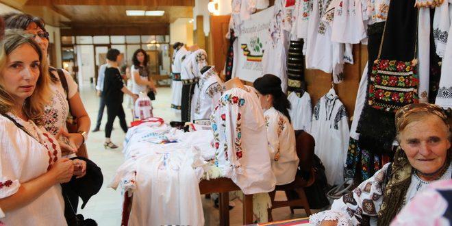 ziua iei romanesti sarbatorita la casa de cultura mihai eminescu