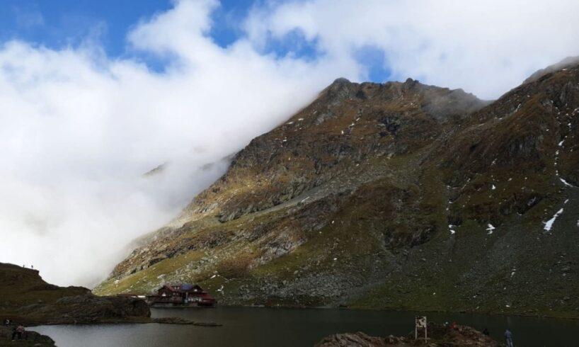 elicopterul smurd chemat in ajutor de salvamontisti pentru un turist accidentat in muntii fagarasului