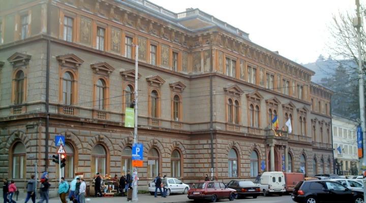 aproape 2 900 de locuri bugetate la cele 18 facultatii ale universitatii transilvania brasov