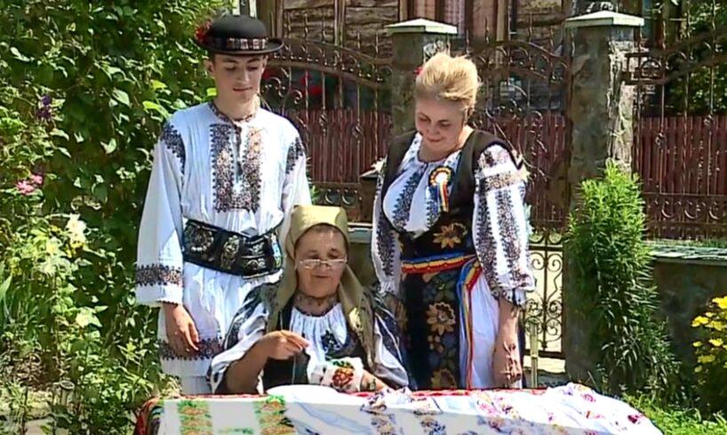 inedit o comuna din mures a cumparat printr un proiect european 24 de costume populare