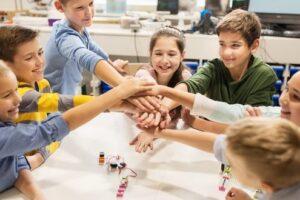 elevii si profesorii pasionati de programare invitati sa participe la un proiect national
