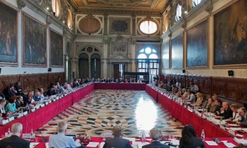 comisia de la venetia critica din nou modificarile aduse anul trecut legislatiei din justitie