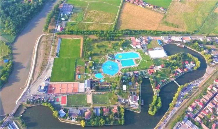 bugetul orasului in weekend din targu mures cu 360 000 de euro se construiesc patru terenuri de baschet tenis cu piciorul si minifotbal