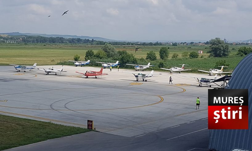 azi conducerea aeroportului anunta prezenta mai multor avioane pe pista