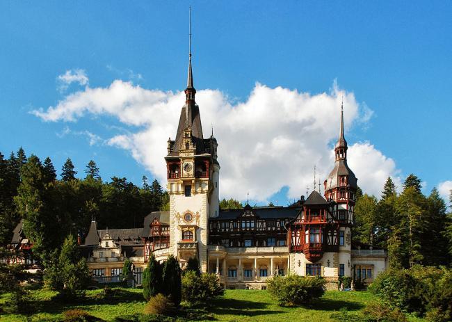 contractul-de-inchiriere-pentru-castelul-peles-a-fost-prelungit