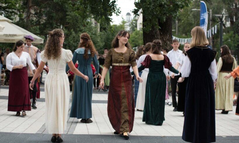 artisti-din-sapte-tari,-la-traditionalul-festival-de-muzica-veche-din-miercurea-ciuc