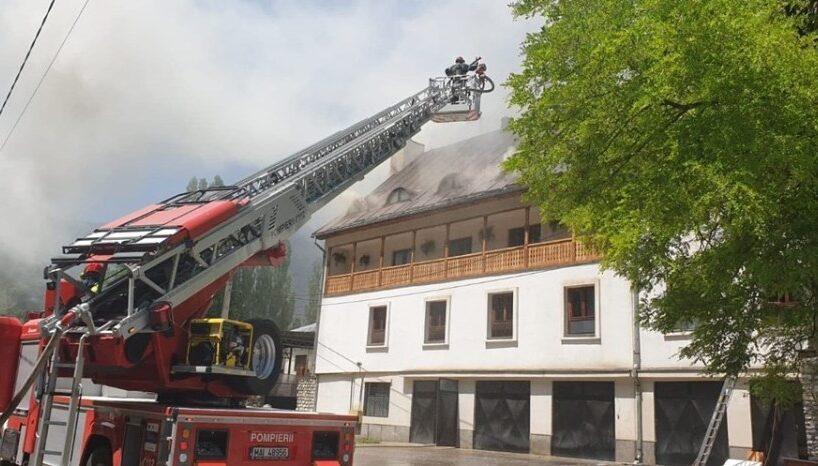 update:-un-incendiu-la-manastirea-de-la-ramet-a-izbucnit-la-acoperisul-cladirii-care-gazduieste-chiliile