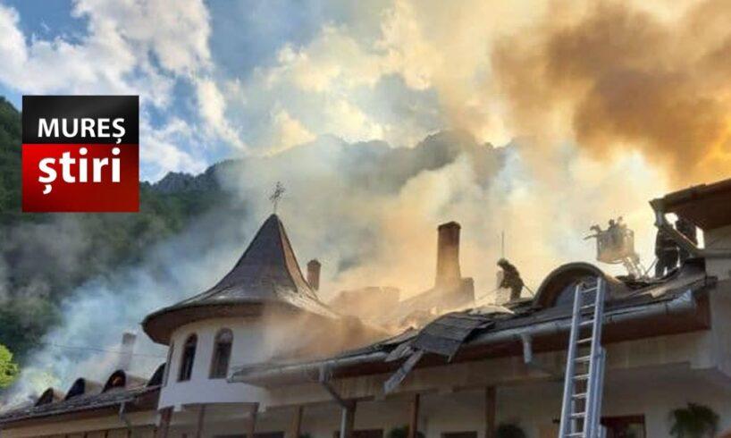 video.-un-incendiu-puternic-a-distrus-la-cel-mai-vechi-asezamant-monahal-ortodox-din-transilvania!