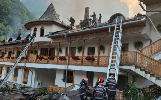 cauza incendiului de la cea mai veche manastire ortodoxa din ardeal